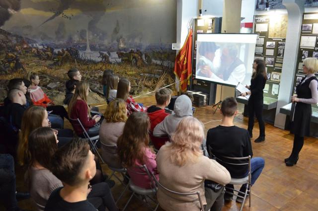 Тематическая час «Праведники народов мира» прошла в Мелитопольском музее