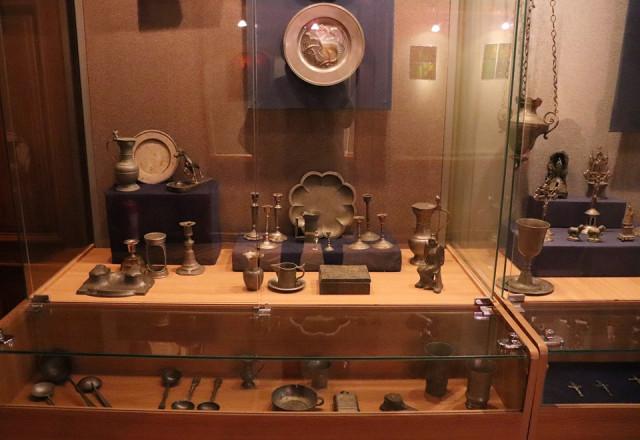 Во Львове действует выставка «Сакральное и прикладное олово из частных коллекций»