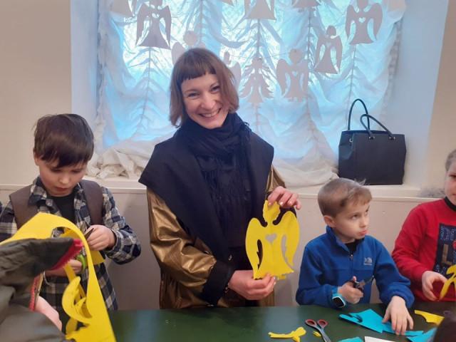 Ко Дню Героев Небесной Сотни в черниговском музее открыли выставку детских художественных произведений