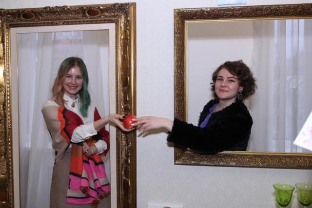 Выставку харьковских монументалистов открыли в Черкассах